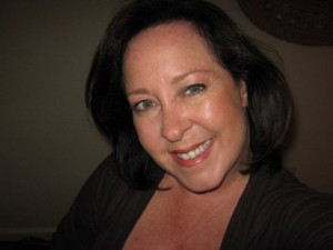 Ellie, profile-pic (1) (1) (1) (1)