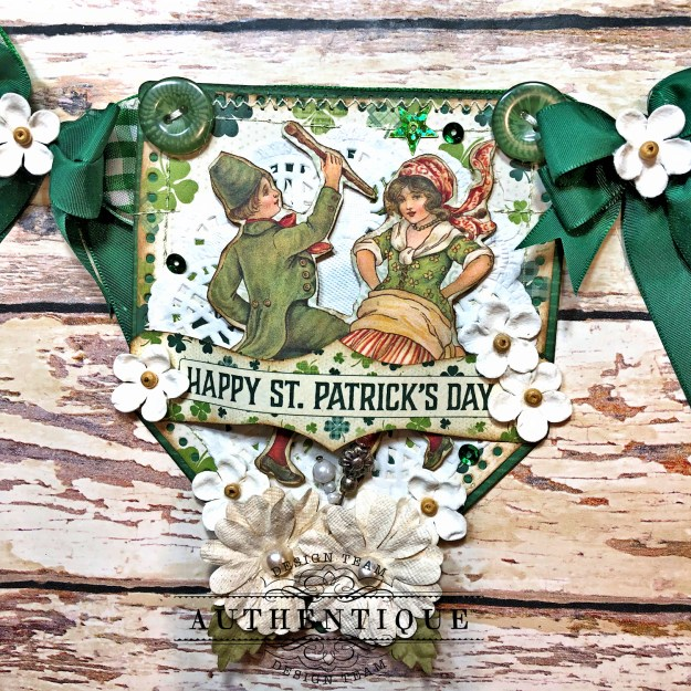 Authentique Clover Eileen Hull House/Pocket Stitchlits Dies St. Patrick's Day Banner Kathy Clement Kathy by Design Photo 01