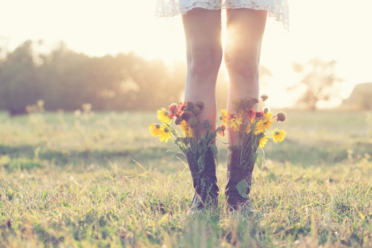 https://i1.wp.com/www.kathymcdaniel.com/wp-content/uploads/2016/04/boots-and-wildflowers.jpg?fit=760%2C507