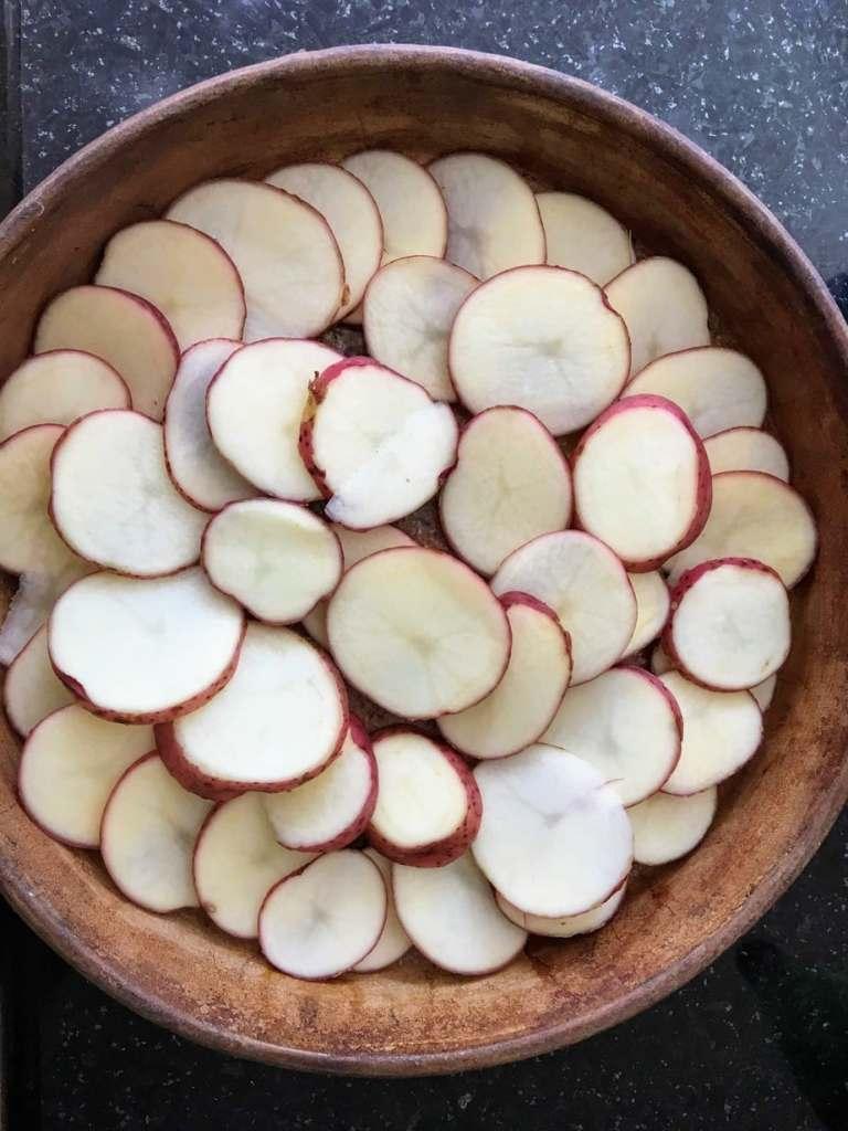 Layer potatoes scalloped potatoes