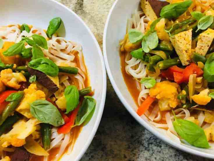 Skinny Thai Curry Noodle Bowl