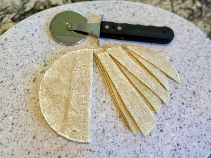 corn-tortillas-homemade-tortilla-strips-1024x768 Vegan Tortilla Soup