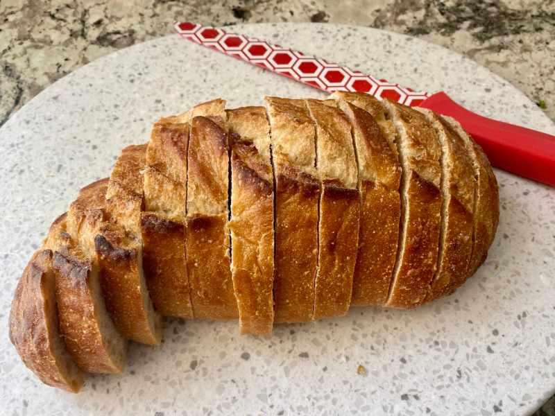 Bread for vegan garlic bread