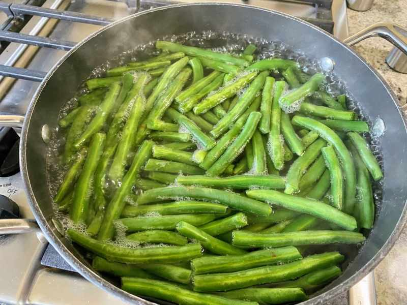 blanching green beans for green bean salad