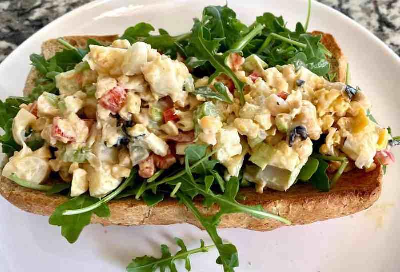 vegan lobster roll