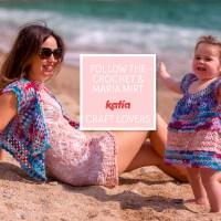 Häkelset für Mutter und Tochter: Kleid von Samanta Fornino und Granny-Square-Weste von Maria Mirt