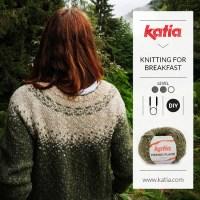 Top-down-Pulli mit Rundpasse und zweifarbigem Jacquardmuster von Knitting for Breakfast