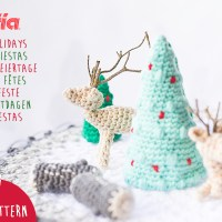 Download our amigurumi pattern and create a crochet Christmas micro world with fir trees, wooden trunks and deer