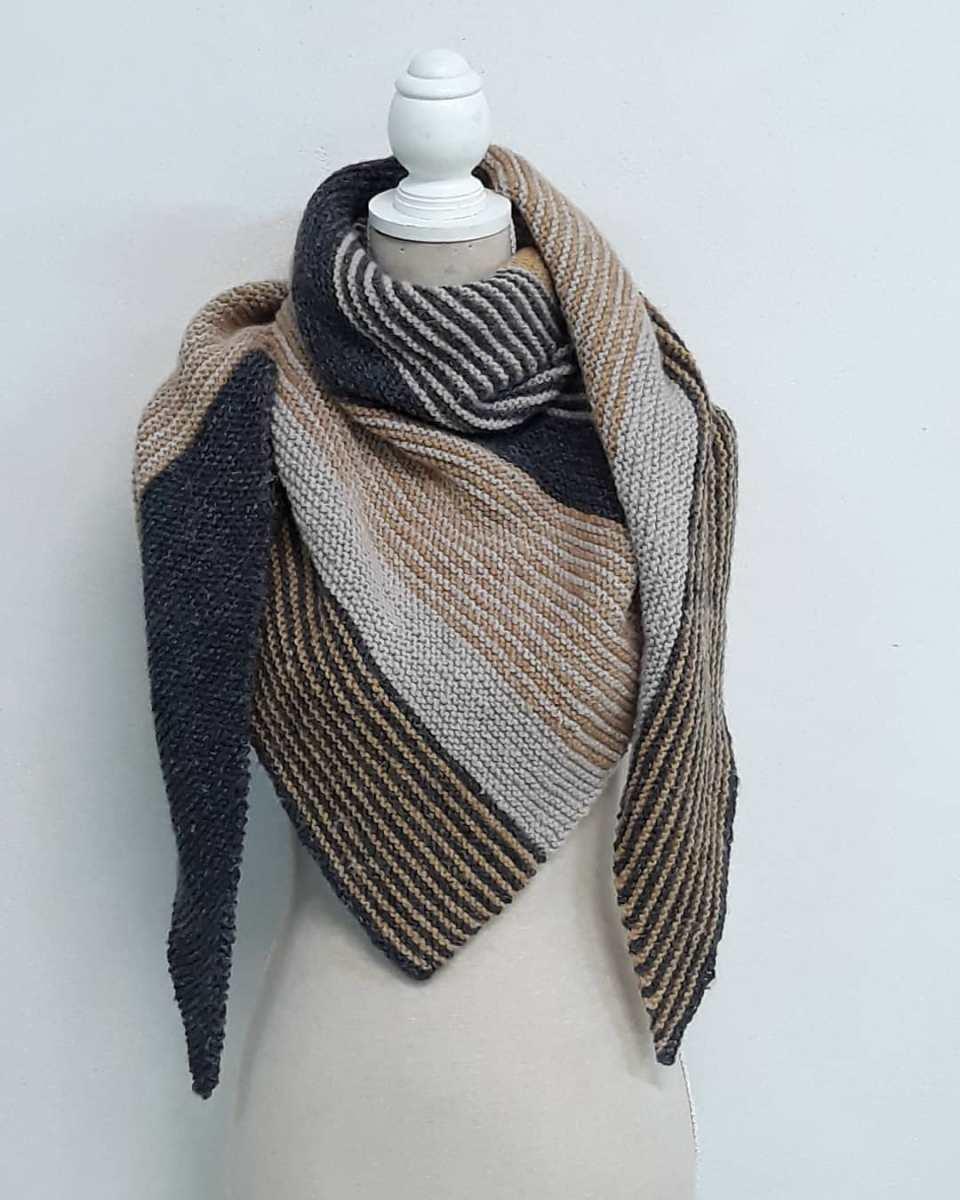 Katia Lovers: 9 accessoires en laine Katia réalisées par des crocheteuses et tricoteuses comme vous