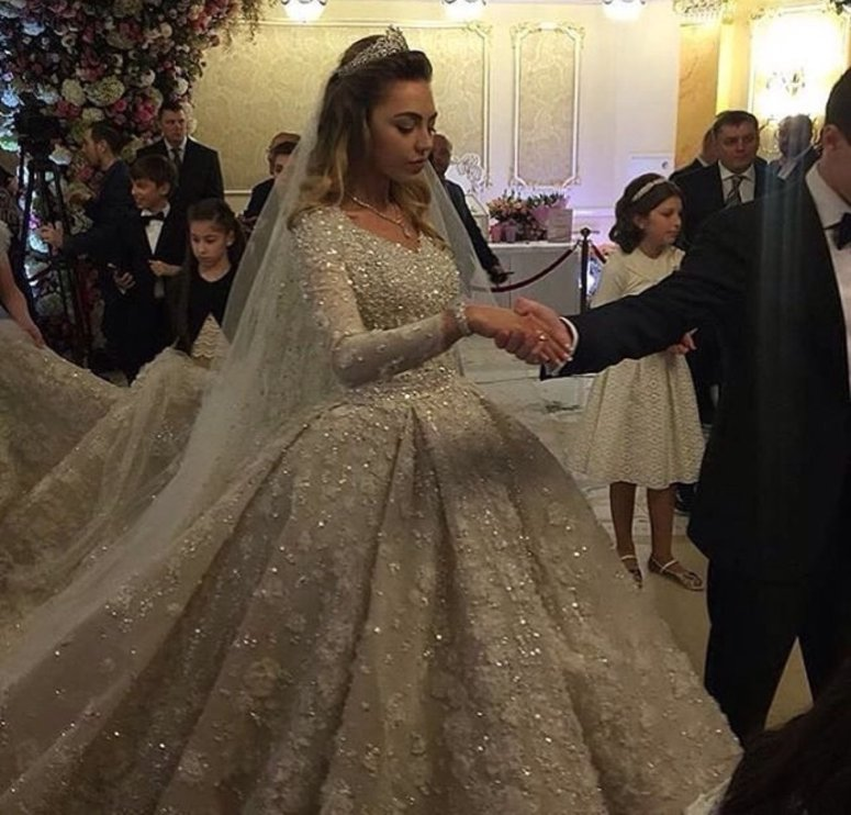 How To Throw A BILLION Dollar Wedding