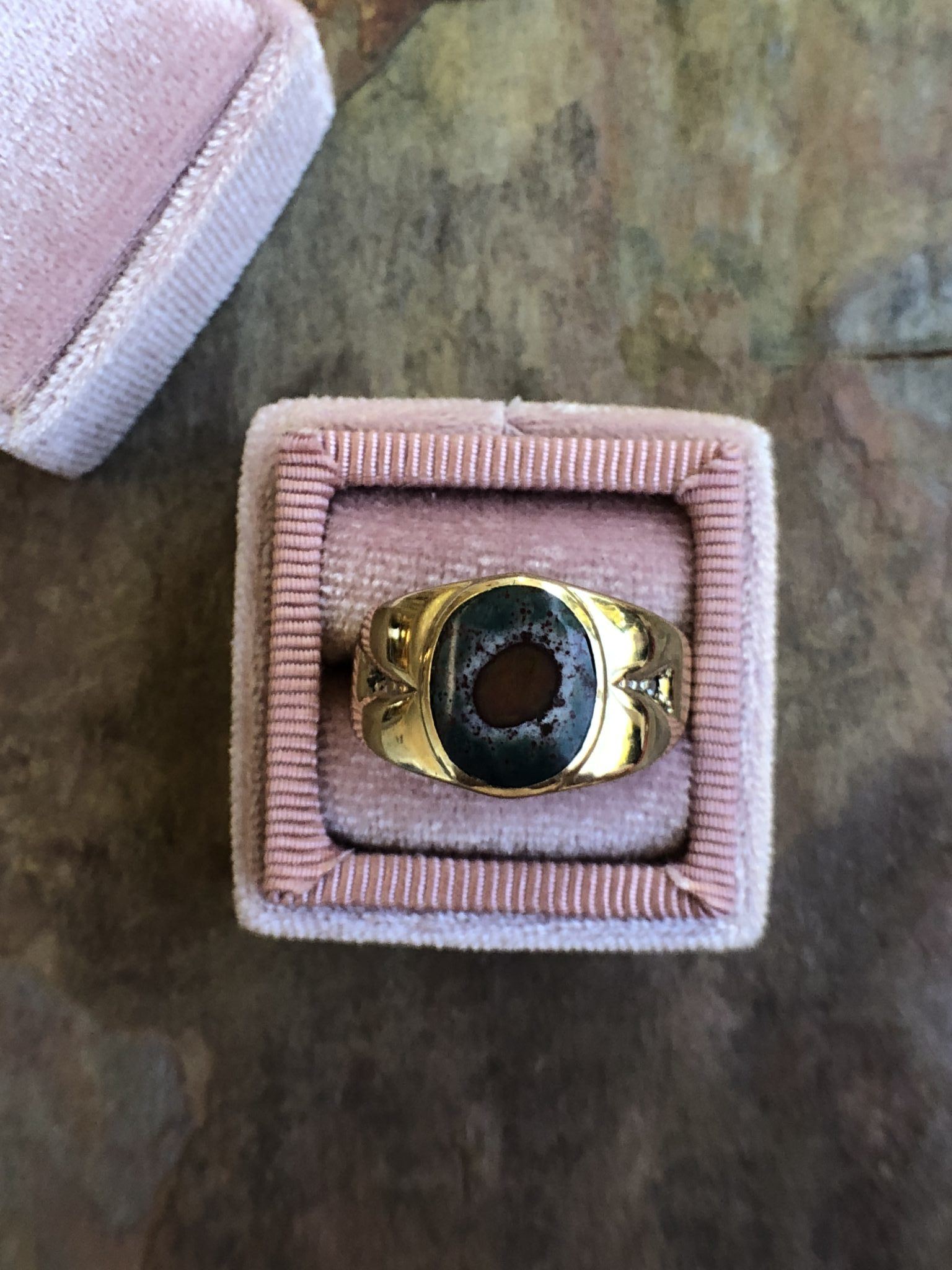 Retro 10kt Yellow Gold Diamond And Bloodstone Ring (Vintage)
