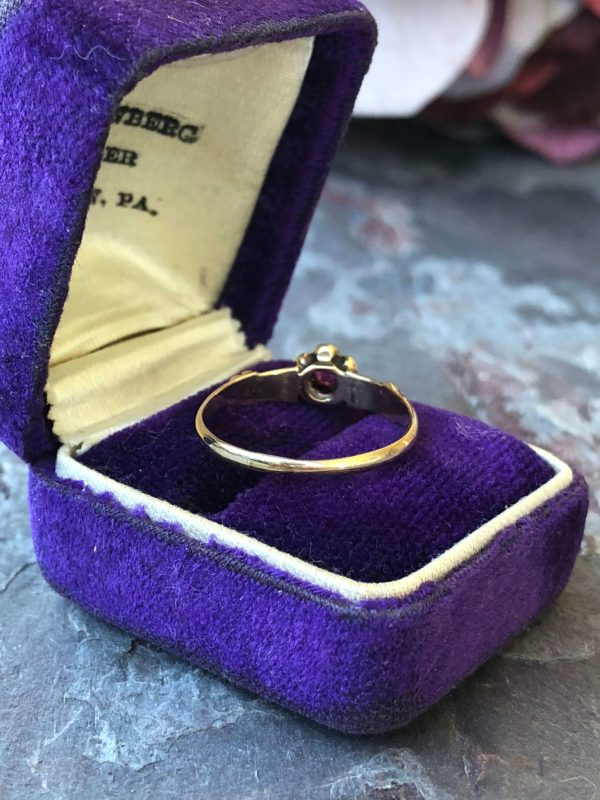 Victorian 14kt Yellow Gold Natural Ruby Ring (Vintage)