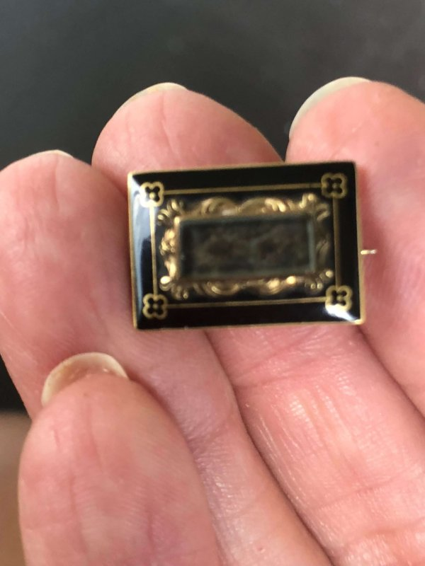 Early Victorian 14kt Yellow Gold Black Enamel Hair-Work Mourning Brooch (Vintage)