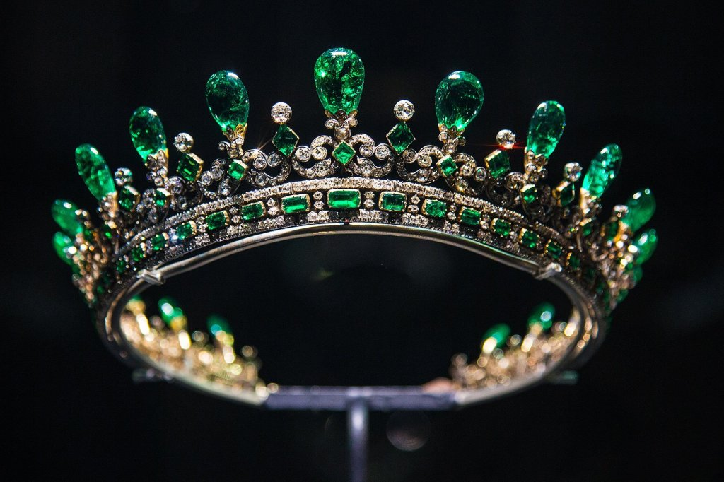 Royal British Tiaras: Queen Victoria's Emerald Tiara