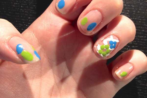 Nail Art: Easter Design by Katie Crafts; https://www.katiecrafts.com