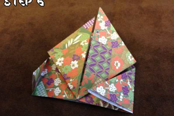 Origami with The Husband: Easy Jumping Frog Tutorial on Katie Crafts; https://www.katiecrafts.com