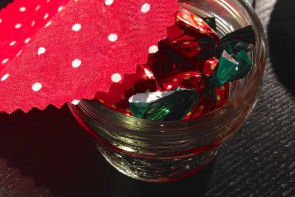 Wedding Mason Jars: 3 DIYs by Katie Crafts; https://www.katiecrafts.com