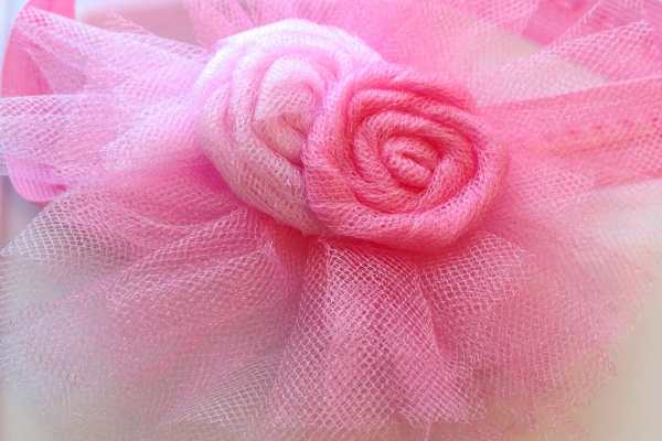 How To Make a Baby Headband Tutorial by Katie Crafts; https://www.katiecrafts.com