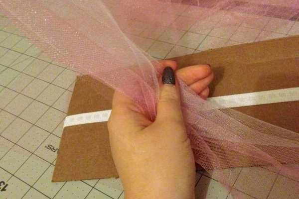 How to Make a No Sew Baby Tutu tutorial by Katie Crafts; https://www.katiecrafts.com