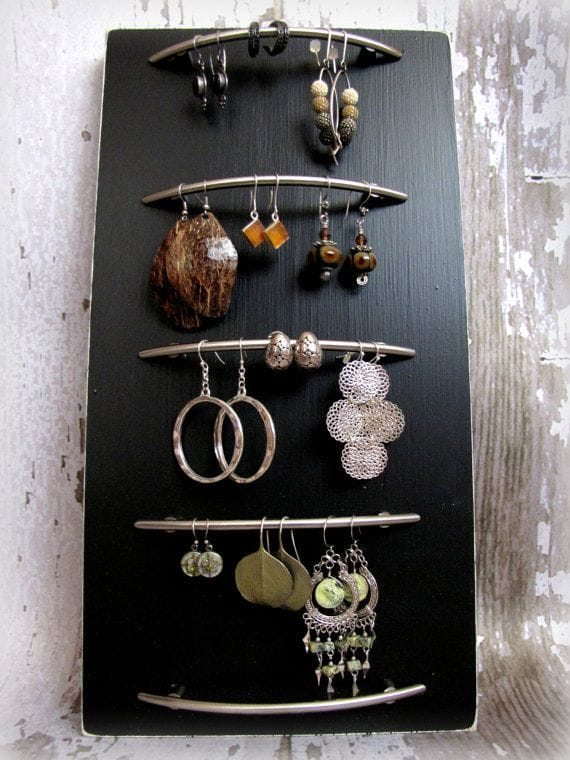 Top 10 Unusual Upcycled Jewelry Organizers on Katie Crafts; http://www.katiecrafts.com