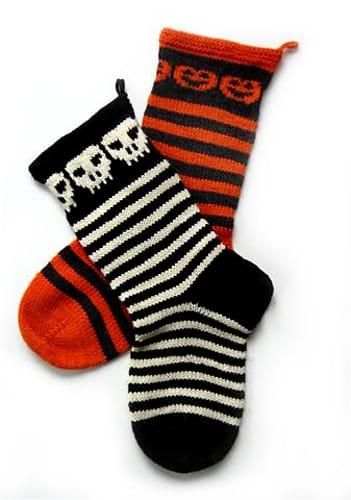Five Halloween Knit Patterns on Katie Crafts; http://www.katiecrafts.com