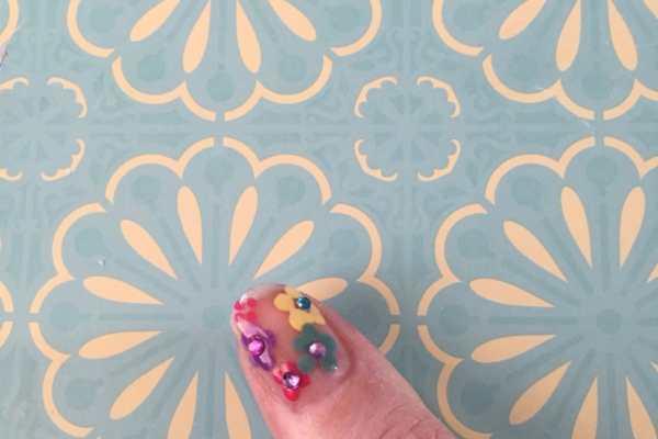 Spring Flowers Nail Art Tutorial by Katie Crafts; https://www.katiecrafts.com