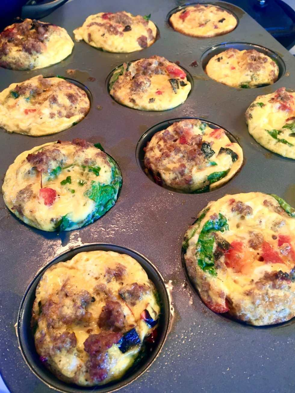 Whole30 Approved Egg Muffins on Katie Crafts; http://www.katiecrafts.com