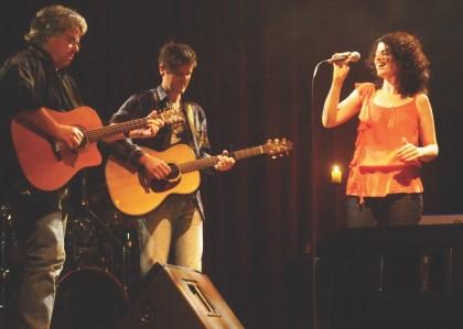 Image of a Katie de Veau performing