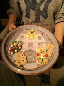 My sister's cookies...she's such a show-off with her crazy good cookie decorating skills!