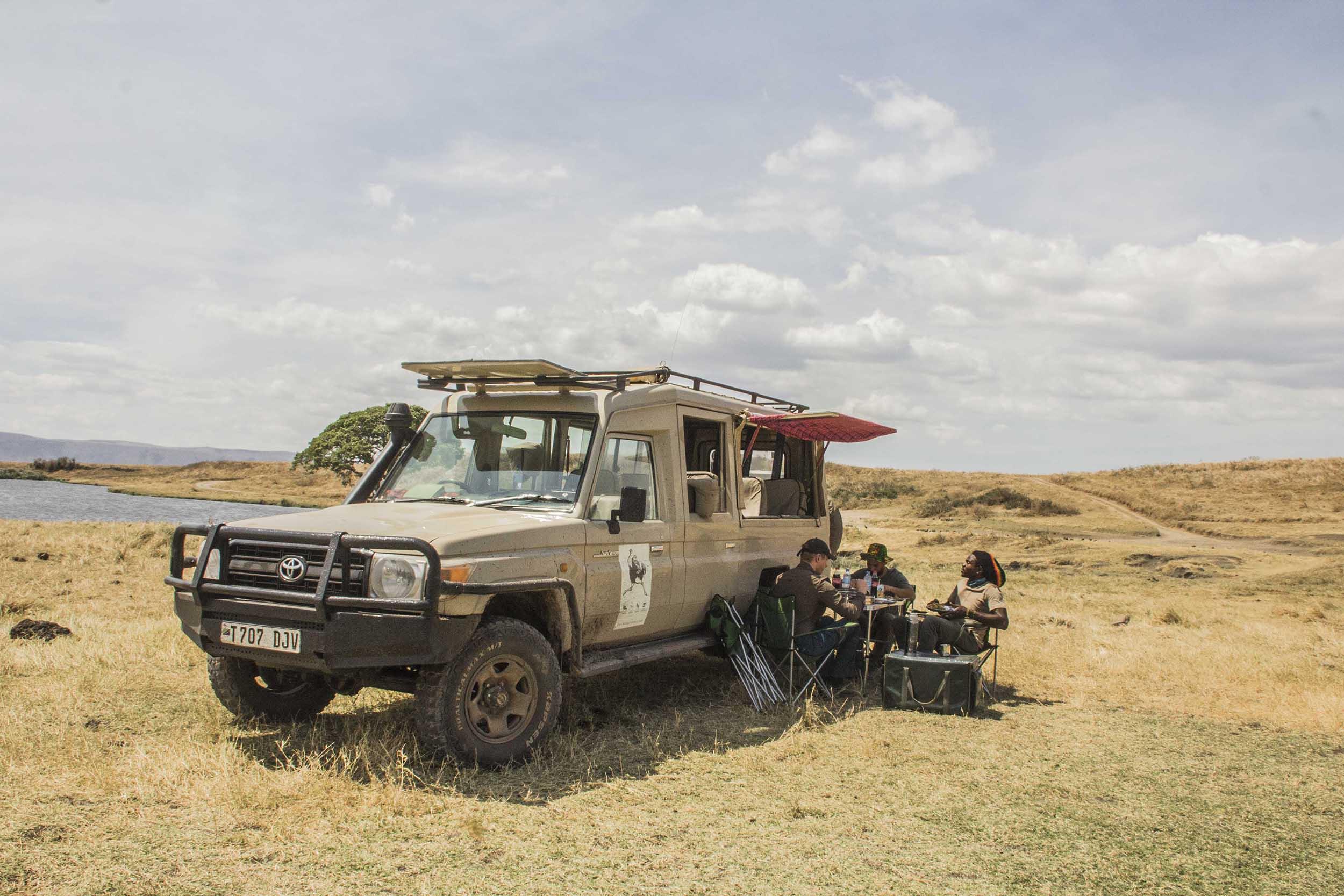 Ngorongoro crater bush lunch
