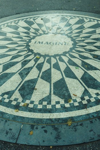 Image of the Strawberry Fields memorial to John Lennon in Central Park New York
