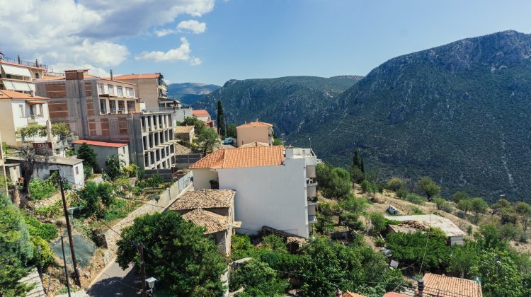 Visiting Delphi from Athens without an organised tour