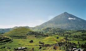 climb Mount Muhabura