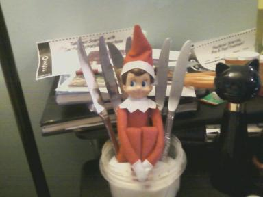elf on the shelf, iron throne, game of thrones