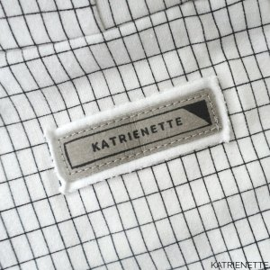 katrienette tutorial label etiket labels etiketten naamlabel naailabel kledinglabel naam naai naaien kleding maken zelf DIY wasbaar kraft-tex kraft tex stempel versacraft permanent washable personalised persoonlijke gepersonaliseerd gepersonaliseerde strijken strijk fixeren iron stamp stamps sewing name