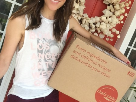 Reviewing meal subscription box by Chefs Plate