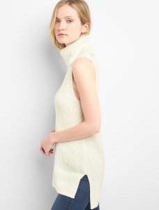 A creamy turtleneck sweater perfect for Fall wardrobe