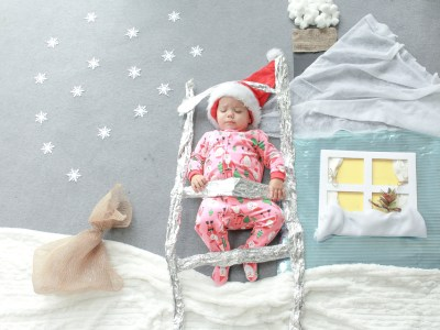 Nezo Art: How to Make A Perfect Holiday Card with Your Baby