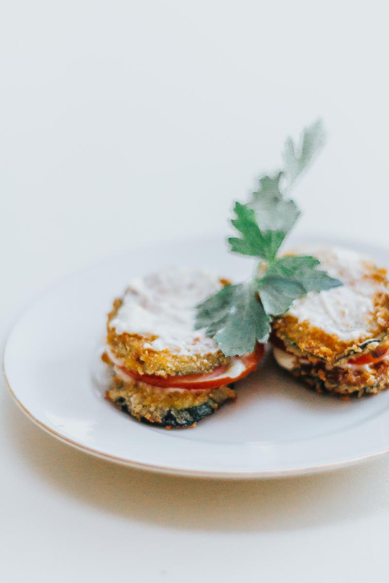 Crispy zucchini tomato sandwiches with garlic mayo