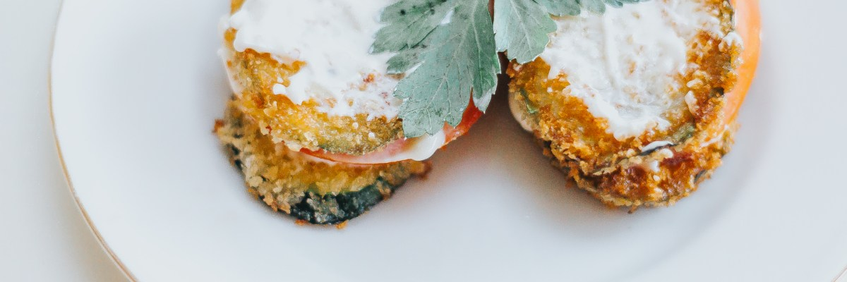 Crispy Zucchini Tomato Sandwiches with Garlic Mayo