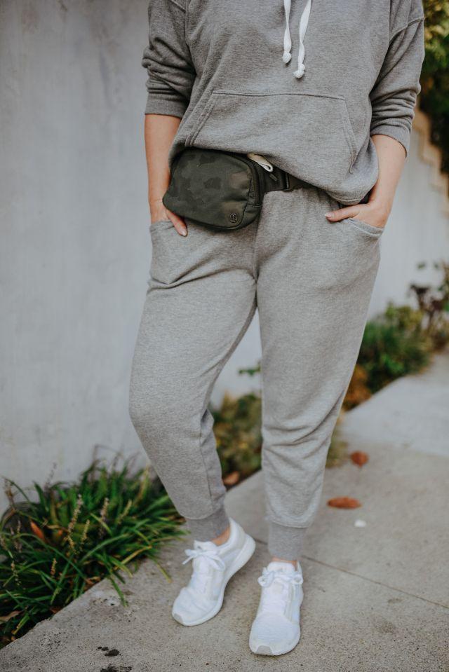 Katwalksf wearing the Lululemon Everywhere Belt Bag in San Francisco