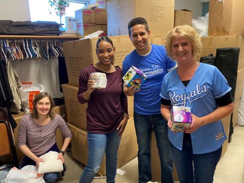 Kauffman associates spend time volunteering