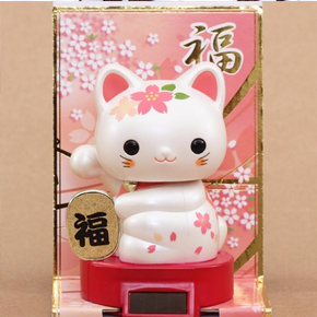 Lucky cat bobble head