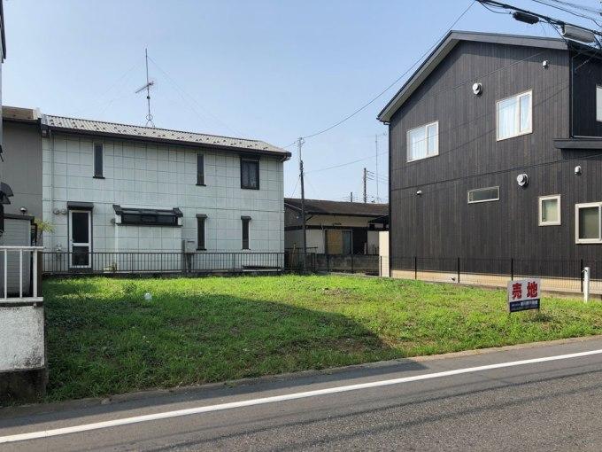 閑静な住宅街に建つ栃木のデザイン住宅
