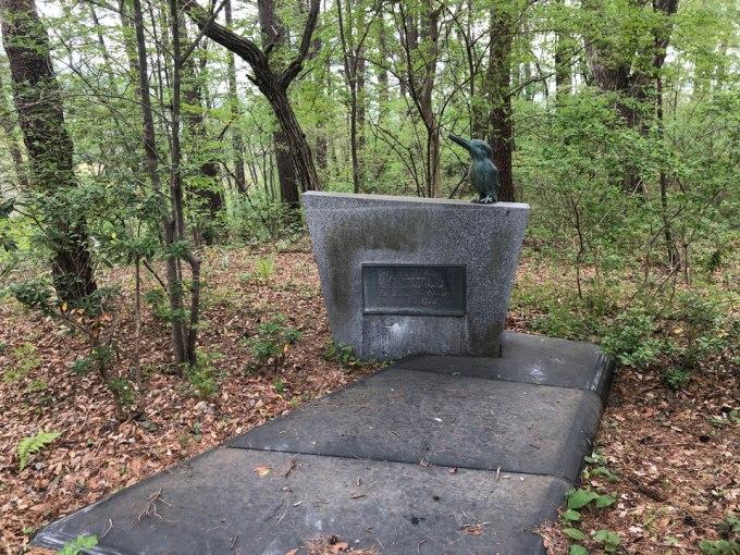 石の教会の石碑