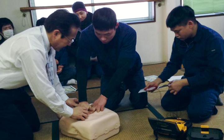 CSR活動 労働安全衛生 AED講習-3