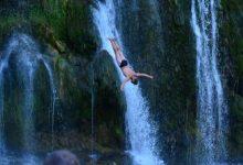 Photo of Stefan Jevtić iz Srbije pobjednik petih skokova s vodopada u Jajcu