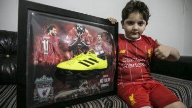 Photo of Ranjeni dječak iz Sirije dobio kopačku sa Salahovim potpisom