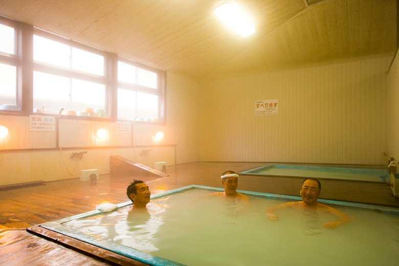 大湯浴槽2
