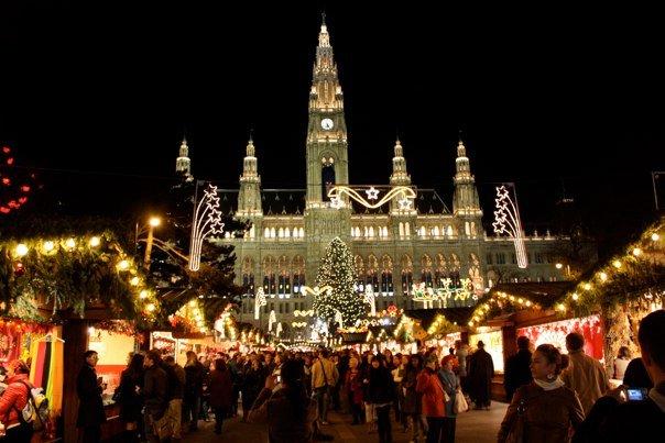 viennas christmas markets rathaus - Vienna Christmas Market
